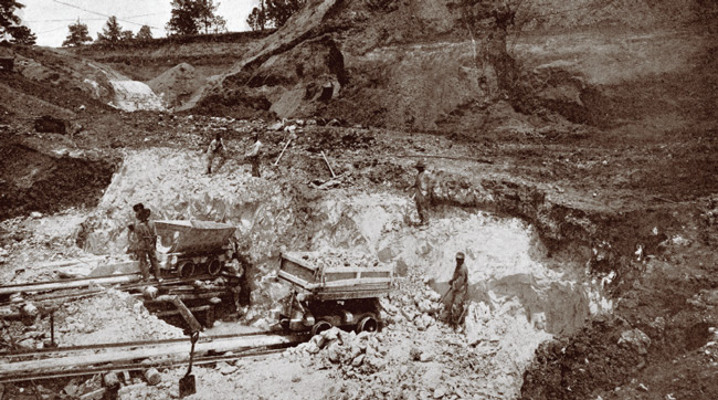 Clay pit of the Georgia Kaolin Company, Twiggs County, Georgia